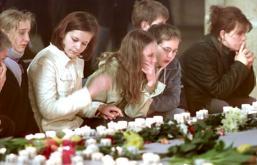 Alemania, aún consternada, se pregunta por las causas de la matanza de  Erfurt