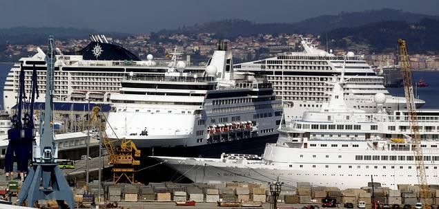 Cuatro trasatl nticos coinciden por primera vez en el - Puerto de vigo cruceros ...