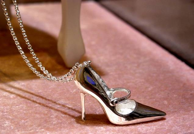 zapato manolo blahnik tous precio