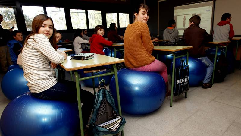 Los De Instituto Alumnos Cambian Meaño Sillas Pelotas Por Del hQdrts