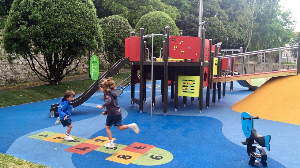 Galeras estrena su parque infantil con juegos inclusivos