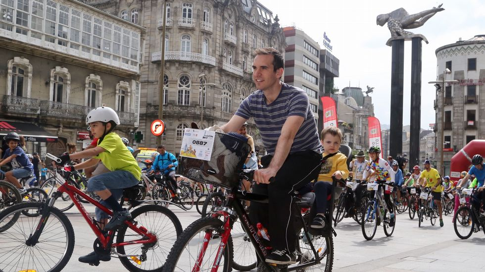 Mil bicis recorren Vigo
