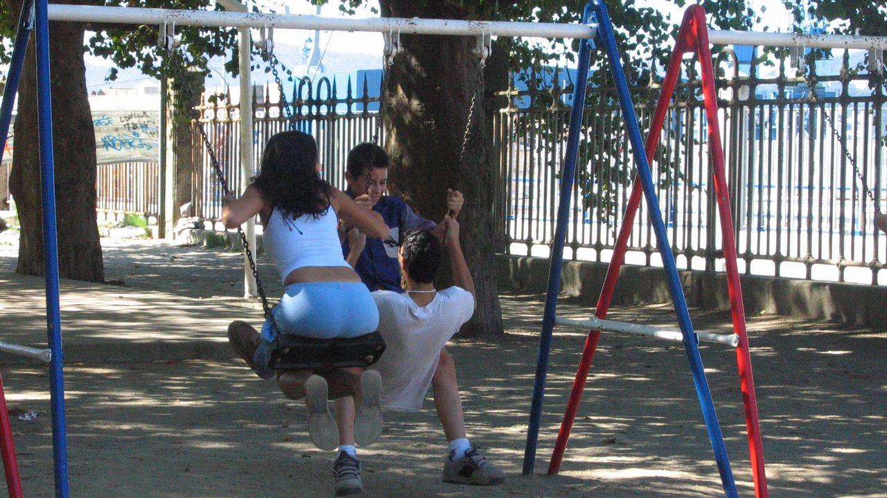 El Concello revisa todos los parques infantiles de Vigo
