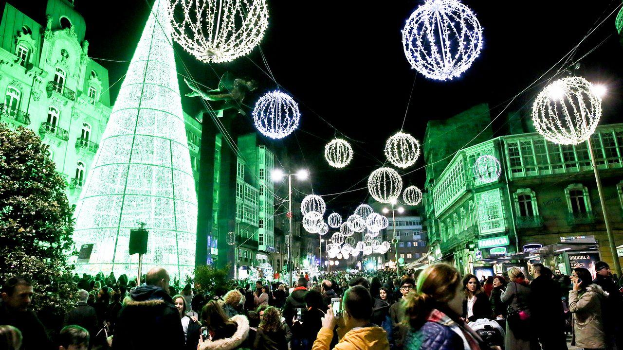 17f331e83aa Vigo estudia mantener las luces de Navidad todo enero