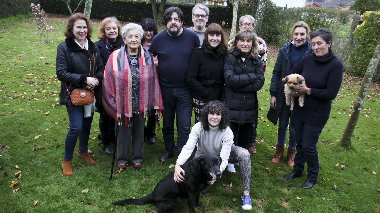 Nace una plataforma para liberar de las cadenas a los perros de la comarca