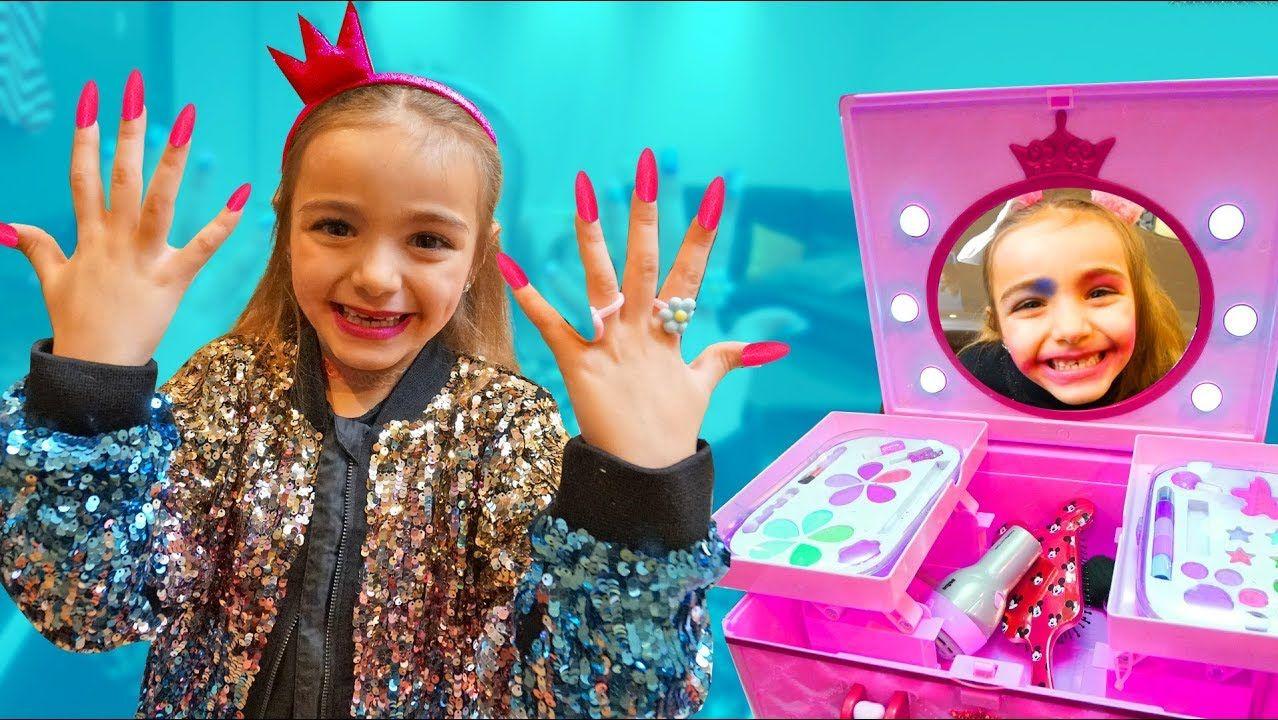 Maquillaje Con Seis Años Youtube Reinas En Del 0nkwPO