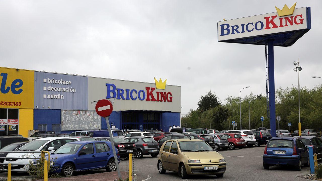 Las colas por la liquidación de Bricoking se extienden al ...