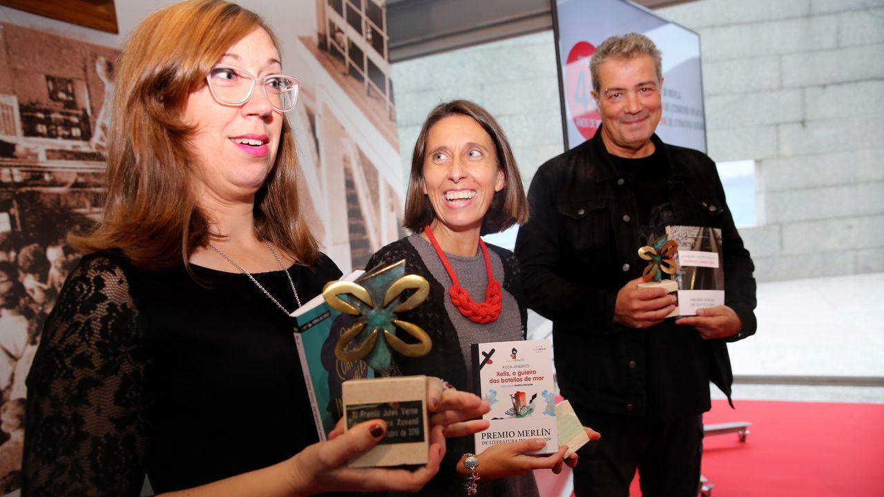 Os Premios Xerais 2019 Reciben Os Galardóns Xa Cos Libros Na Man