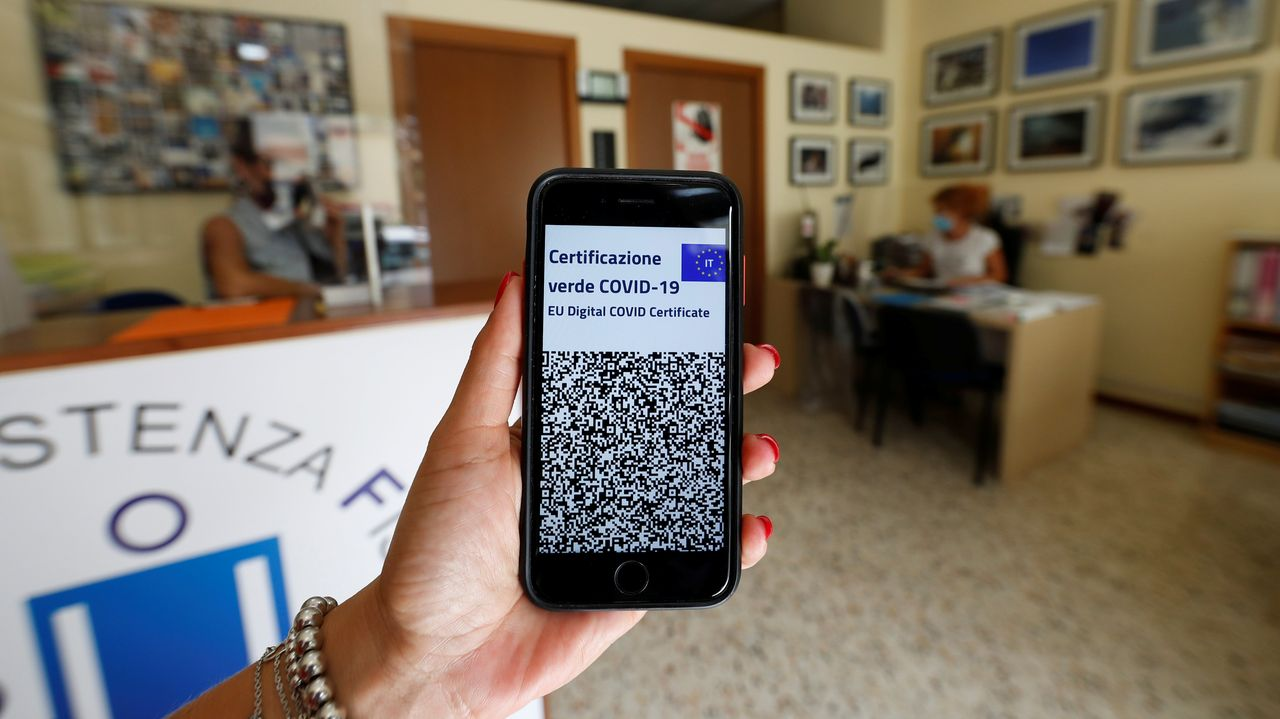 Italia: el pasaporte covid será obligatorio para todos los trabajadores del ámbito público y privado