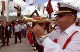 La procesión marítima empezó a las 11.30 horas y finalizó minutos antes de la una de la tarde