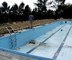 Diputaci n y concello de lousame reparan la canalizaci n for Piscina municipal lugo