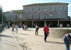 Los trabajos de mejora del centro educativo incluyen el for Educacion exterior