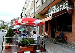 Un bar de negreira logra licencia para una terraza en zona de aparcamiento - Cerramiento terraza sin licencia ...