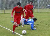 Los futbolistas de la SD Sarriana se impusieron por la mínima al Atlético Escairón.