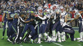 Los jugadores del Seattle Seahawks y los de New England Patriots en la final de la Super Bowl