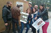Rafael Cuíña, candidato de CxL, sostiene el cartel con Vicente Ulloa.         La cabeza de lista de APAC, Lara Rodríguez, durante la pegada virtual.