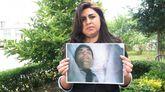 Elva intentó contactar con su marido por Facebook y se encontró su imagen en una caja.