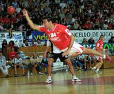 Iago Cuadrado, con la camiseta del Academia Octavio.