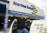 Pablo Palou, gerente de Marina Deter, en la nueva nave en el polígono.