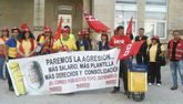 Trabajadores de Correos en A Estrada reclamaron hace días que se cubriesen bajas con una concentración.