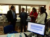 El director xeral de Xustiza, Juan José Martín, visita el juzgado de preferentes con el juez decano y la jueza