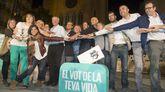 Miembros de la candidatura Junts pel Sí, durante un acto electoral en Lérida.
