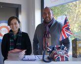 William Robertson y Romyna Estévez, escocés él e inglesa ella, han montado una academia.