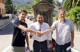 Josué Villar, Francisco Ferreira y Antonio Araúxo escenificando el pacto el pasado mes de julio.
