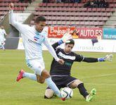 Brais realizó intervenciones de mérito en el partido frente al Compostela.