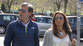 Paco González, acompañado de su mujer durante el juicio