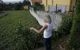 El muro ilegal actúa como contención para viviendas de Vallesur.