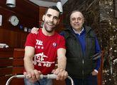 Prado y su patrocinador Manuel Bernárdez confían en que el esfuerzo valga la pena.