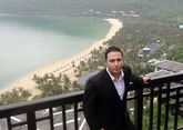 Juan Miguel Losada, frente a las increíbles vistas del InterContinental Danang Sun Peninsula Resort.