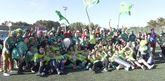 El campo municipal Hermanas Patiño, de Camariñas, fue una fiesta entre los jugadores y los aficionados por el nuevo galardón.