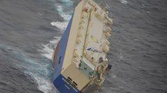 Los tripulantes del «Modern Express», a salvo en Galicia