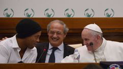 Las curiosas preguntas del Papa a Ronaldinho