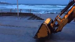 Oleaje en el paseo marítimo de A Coruña