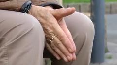 Estas manos liaron 400 cigarrillos al día