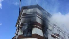 Incendio en el centro de Escairón (vídeo)