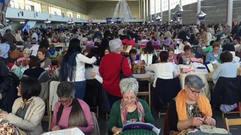 Más de mil palilleiras tomaron el recinto ferial de Pontevedra, convirtiendo a esta cuidad en la capital del encaje de bolillos.