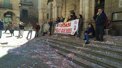 Protesta trabajadores de Linorsa ante el Concello