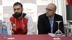 Kostas Vasileiadis anima a la afición del Obradoiro
