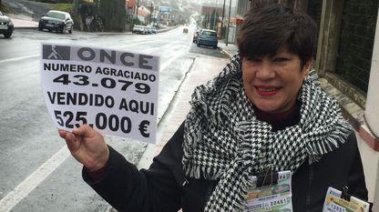 Isabel García, vendedora de la ONCE que repartió los cupones premiados