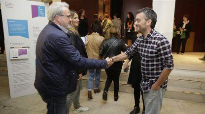 El edil popular Roberto Coira y el alcalde Xulio en la presentación de Porta Aberta