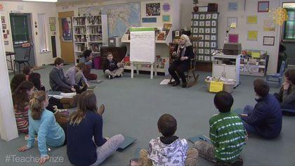 La profesora Nancie Atwell durante una de las clases de su escuela, en el vídeo que puedes ver en la web del Global Teacher Prize