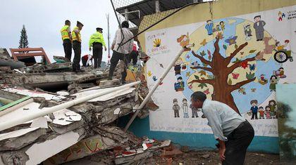 El periódico en la escuela tiene que ir más allá. En la tragedia de Ecuador, ¿basta con saber cuánta magnitud alcanzó en la escala de Richter?