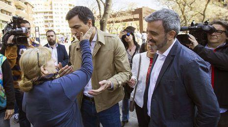 Pedro Sánchez promete trasladar instituciones del Estado a Barcelona si es presidente
