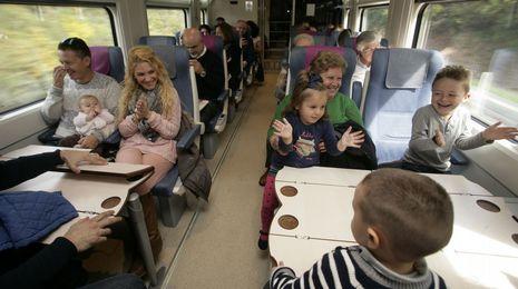 Ochenta minutos de fiesta en el tren más rápido