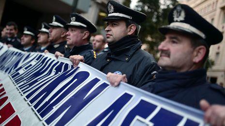 La policía se suma a las protestas contra Tsipras