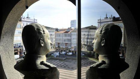 Besteiro enmarca en la autonomía local la retirada del busto de Juan Carlos I